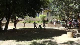 """DANSE - """"Notre terre, corps meurtri"""" - GECKOGAMES - École du Nord Maurice"""