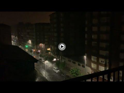 Que manera de llover en Santander a las 4.15 de la mañana