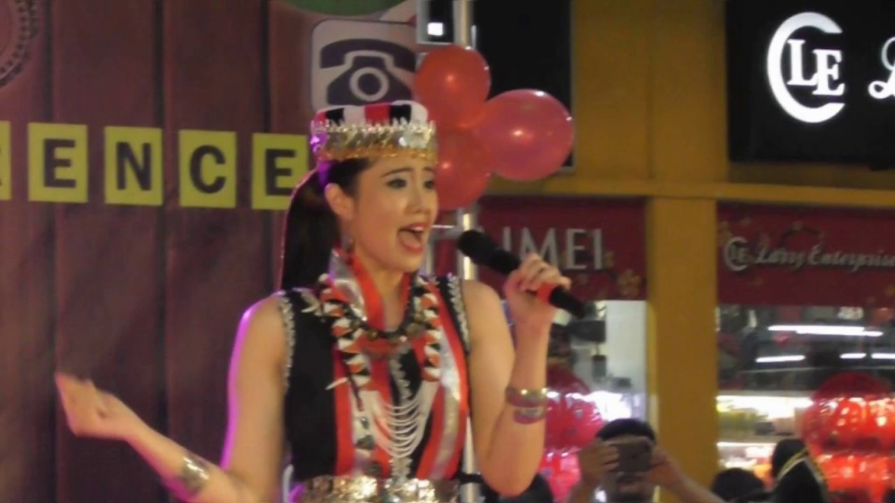 Dewi Liana Seriestha Performance Wth Bidayuh Costume Youtube