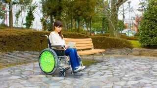 dyna(ダイナ)は、車椅子をカラフルに鮮やかに彩る事の出来る、付け替...