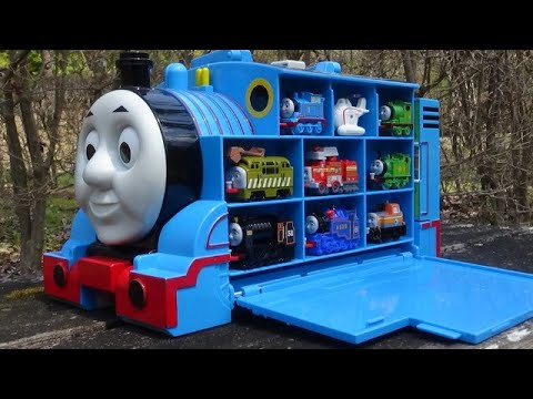 Big Thomas station & 9 Trains ☆ Thomas & Friends hide and seek in park!