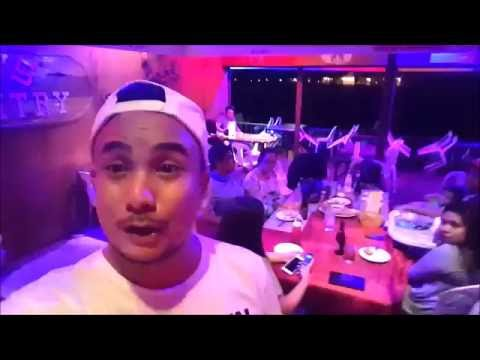 Your Pinoy tour guide at Ric's Kountry Kitchen - Best fried chicken in Subic!!!