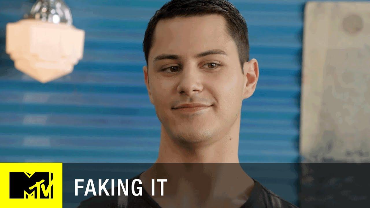 Download Faking It (Season 3) | 'Noah's Arc' Official Sneak Peek (Episode 4) | MTV