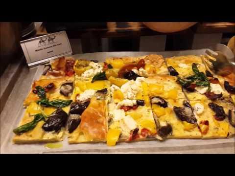 Street food buffet in Bur Dubai