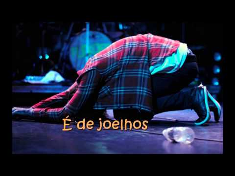 Flordelis - De joelhos - Em fervente oração