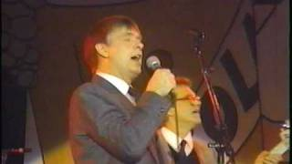 """Ahab The Arab"" THE NOMADS ""LENNIE RICHARDS""ON VOCALS 1988"