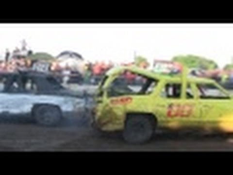 Metal Mayhem 2016  Old Iron Heats Part 1 ..demo derby