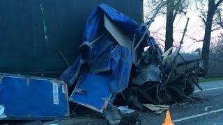 Семь машин столкнулись на трассе в Краснодарском крае, один человек погиб и четверо пострадали