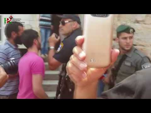 Jews settlers take over Palestinian home and attacked the family in Hebron