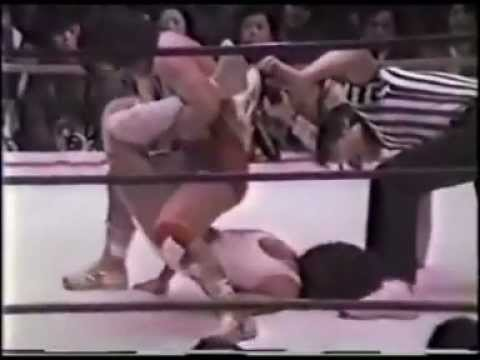 Mimi Hagiwara v Jaguar Yakota Submission ending - Full Match.wmv