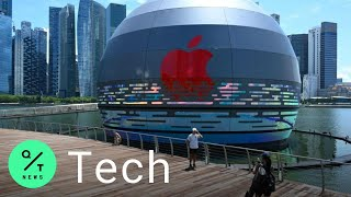 Apple Opens First Floating Store at Marina Bay Sands, Singapore
