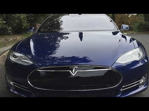 voiture autonome tesla au rapport economy youtube. Black Bedroom Furniture Sets. Home Design Ideas