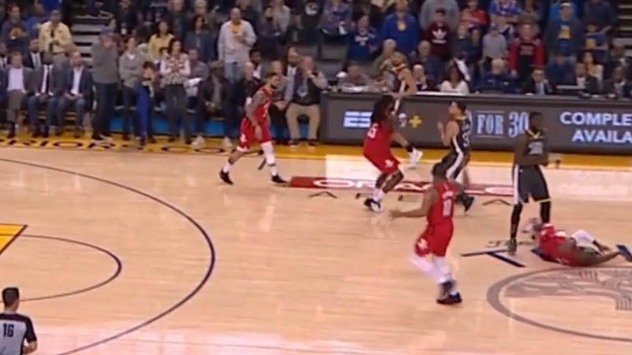 125eb40e0279 Draymond Green Sets HARD Screen on Chris Paul During Rockets Warriors Game