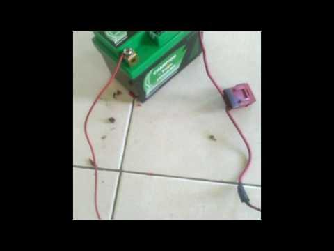 Cara Mengecas Aki Motor Pakai Adapter Laptop