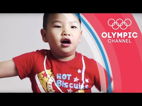 Chinese Children Discover Phelps Races at Beijing 2008   Kids Call