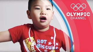 Chinese Children Discover Phelps Races at Beijing 2008 | Kids Call