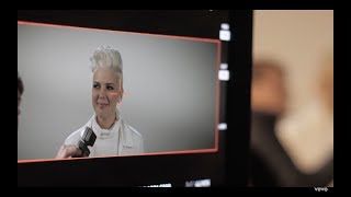 """Betty Who - """"Ignore Me"""" Behind The Scenes"""