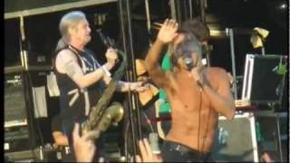 "Iggy Pop and The Stooges ""Search and destroy"" Hop Farm Music Festival, Kent 02/07/2011"