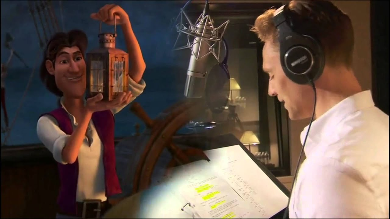 Tom Hiddleston. Behind the Scenes of Tinker Bell and the Pirate Fairy.