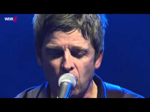 Noel Gallagher's High Flying Birds - Champagne Supernova (Live)