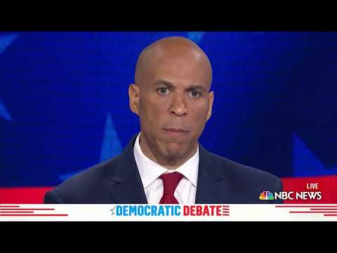 Democratic Debates: Cory Booker Speaks Spanish, Says He'll Change ICE Policies | NBC New York