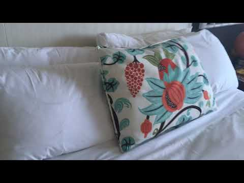 Hotel Room Tour: Fairmont South Hampton Resort Seaview Room Suite In Bermuda
