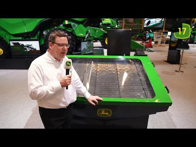 Der neue John Deere X9 Mähdrescher  auf der Agritechnica 2019