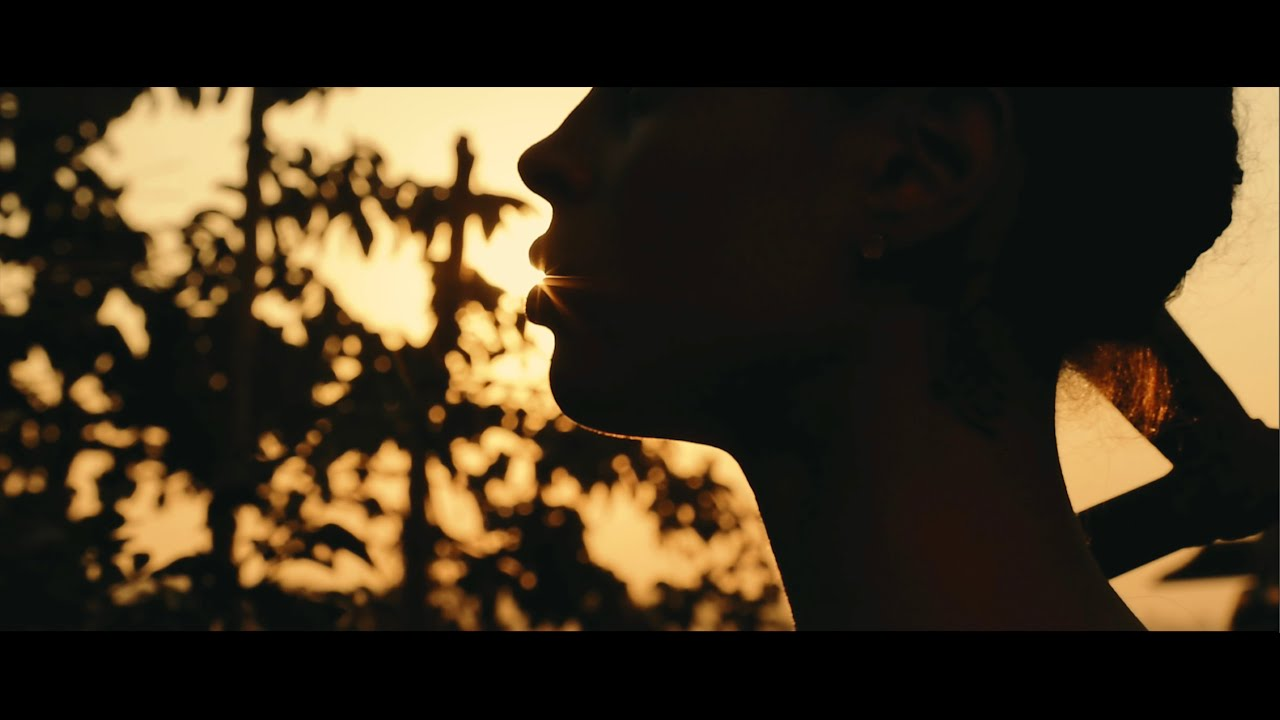 Download SALMA SKY - KALUBANGO (Official Video)