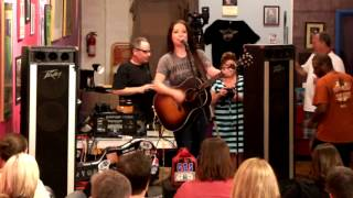 Ashley Mcbryde  -  I Ain't Crazy (but I can be if I have to)