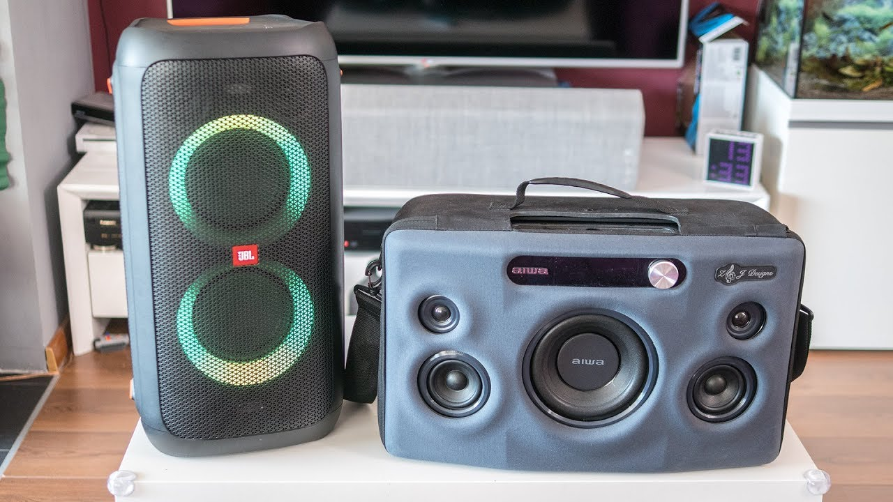 JBL Partybox 100 - indoor listening