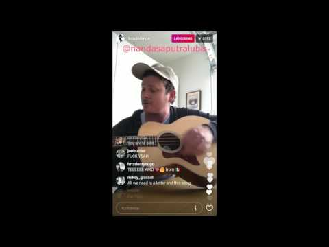 """Tom Delonge Live on Instagram 2017 """"Playing Watch the World"""""""