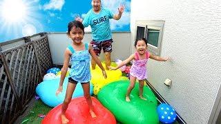 巨大水風船でトランポリン!!夏の終わりにベランダに大量水風船で大はしゃぎ♡himawari-CH thumbnail