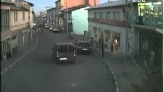Saldırı Anı - 6 Teröristle Tek Başına Çatışan Özel Harekat Polisi Faciayı Önledi!