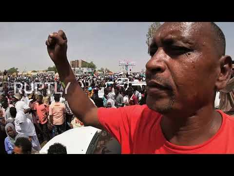 Sudan: 'We want a complete change' – Protesters vow to continue despite al-Bashir's removal