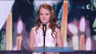 "Amira Willighagen - ""Ave Maria"" HD - Du côté de chez Dave - TV Show France 3 - 21 December 2014"