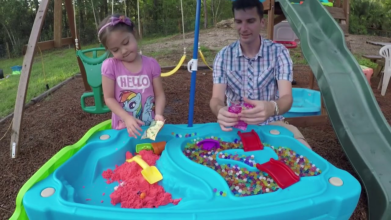 STEP 2 Sand Water Table Surprise Toys in Orbeez & Kinetic Sand : MLP, Sheriff Callie & Doc