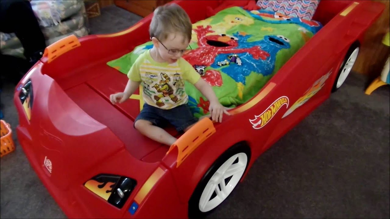 step2 hot wheels™ toddler-to-twin race car bed review - youtube