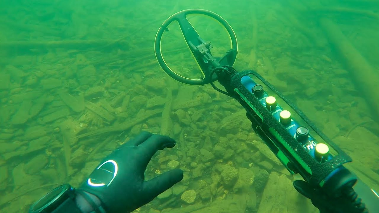 What Will We Find Under Idaho's Most Popular Cliff Side? (Scuba Diving for Treasure)