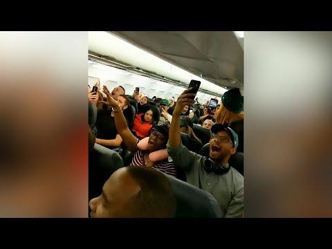 Flight full of Eagles fans break into song ahead of Super Bowl showdown