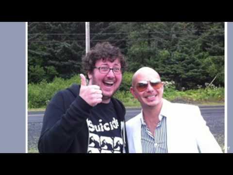 Rapper Pitbull Thrills Fans in Middle of Nowhere, Alaska