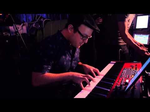 """Ven Morena """"Piano Solo de Kemuel"""" Mixtura @ Baru"""