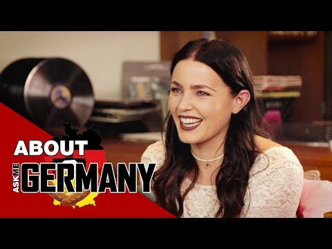 Ask Me About Germany mit MIRIAM BRYANT