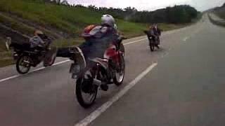 Video Aksi Mat Rempet yang berani...superman 100+++km download MP3, 3GP, MP4, WEBM, AVI, FLV Agustus 2018