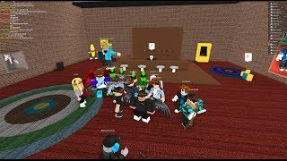 Roblox Live with fans (ENGLISH!!) AND THANKS FOR THE 200 SUBBI!!