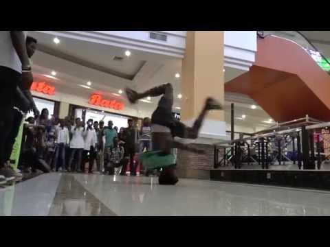 Flashmob Acacia Mall