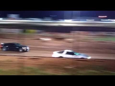 Most unbelievable spectator race ever. Abilene Speedway 6/16/18 part 3