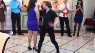 Танцы в Турции(Танцы в Турции продолжают нашу подборку приколов с русскими туристами на отдыхе. Не забудьте посмотреть..., 2015-09-07T03:45:06.000Z)