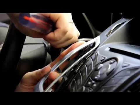 видео: Дом Плёнок. Автовинил. Оклейка деталей салона автомобиля виниловой плёнкой.