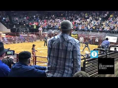 Shannon The Dude - Bull Attacks Fans Trying To Win $100 in Owensboro