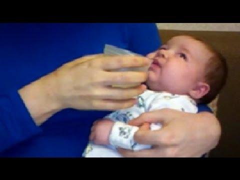 Зеленые сопли у ребенка – чем лечить. У детей месяц сопли